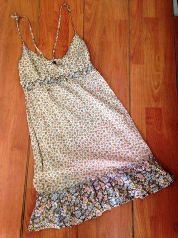 Vestido floral de tirantes H&M