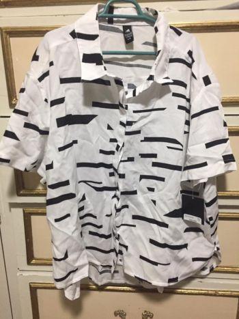 Camisa corta blanco y negro