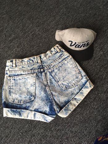 Acid wash american apparel short