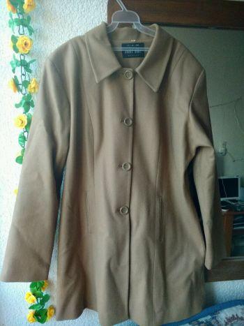 abrigo color canela
