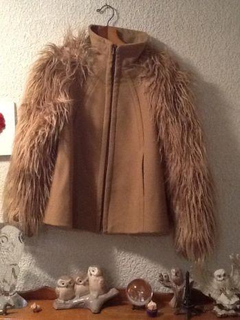 Abrigo con peluche