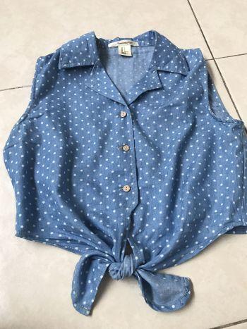 Camisa crop forever 21 L demin mezclilla lunares