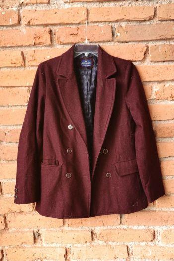 Abrigo color vino