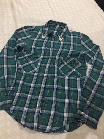 Camisa de cuadros y pedreria