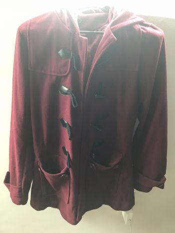 Abrigo tinto bonito