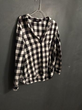 Camisa de cuadros negra con blanca