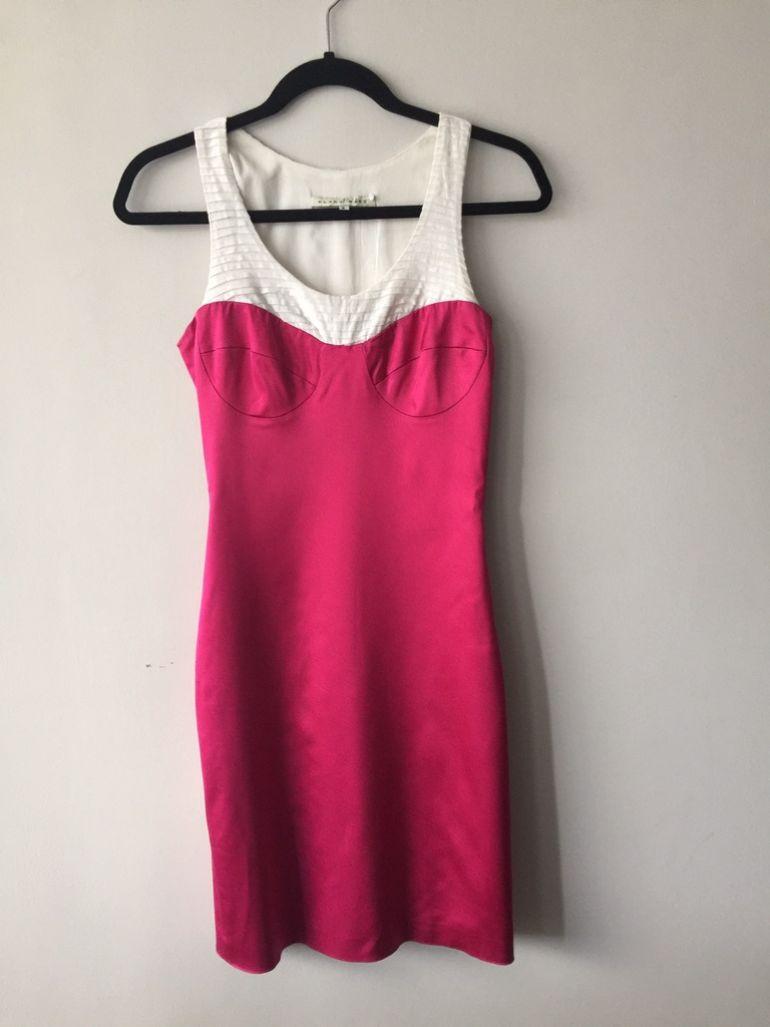 Vestido rosa mexicano de diseñadora mexicana