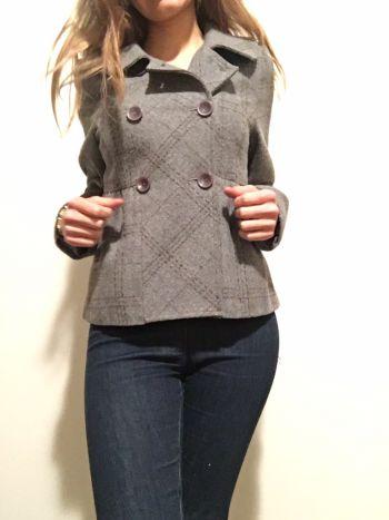Abriguito corto gris de lana