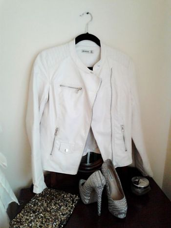 biker polipiel color crema claro/blanco + regalo