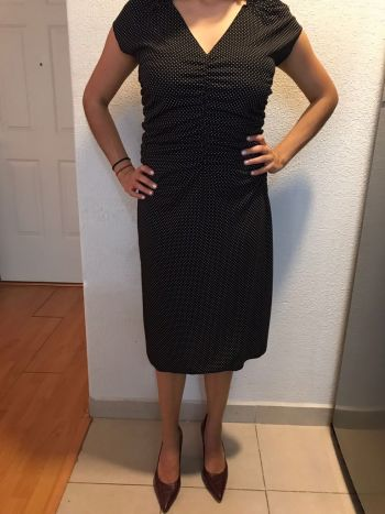 Vestido Express negro con puntos