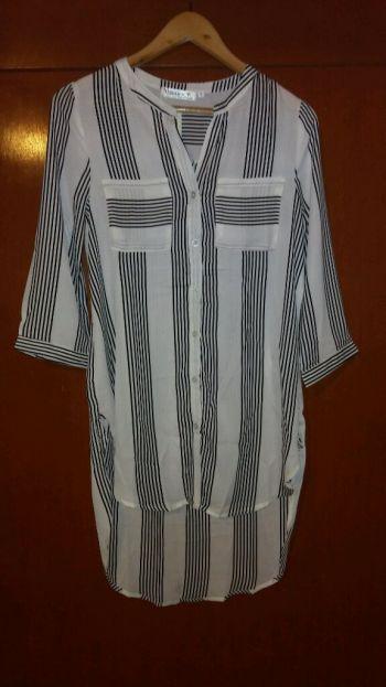 Camisa de lineas nueva con etiquetas