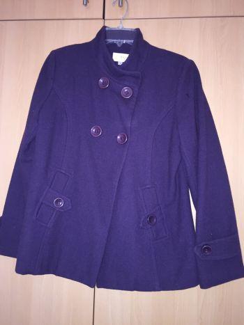 Abrigo corto morado