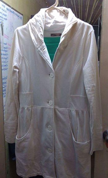 Abrigo blanco de algodón, muy calientito