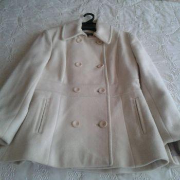 abrigo blanco doble abotonadura