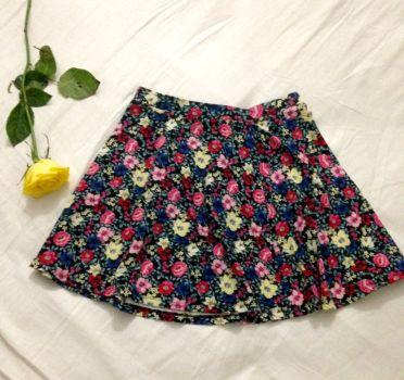 Falda con flores