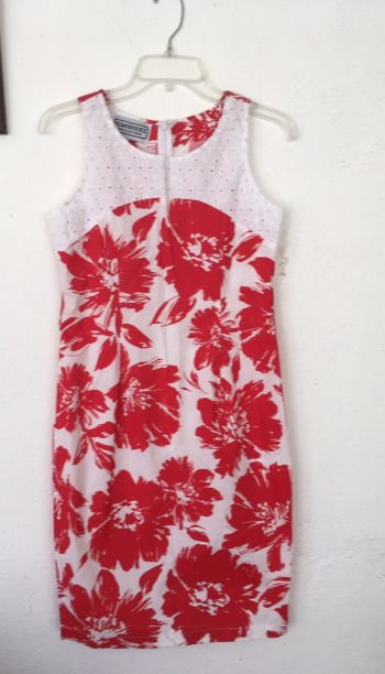 Vestido fresco tipo tropical sin manga